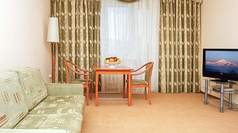 Suite 2 местный